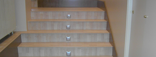 Instaladores de tarima parquet o laminado en escaleras o for Escaleras de parquet
